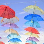 雨の日もおしゃれに!子ども・男性・女性向けおすすめの傘8選