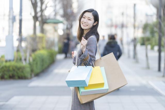 買い物終わりの女性