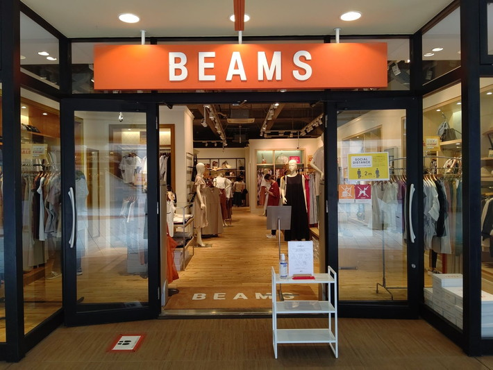「BEAMS OUTLET」のSPECIAL SALEで50%OFF!