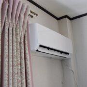 エアコンは冷房よりも除湿の方が電気代が高くなる?つけっぱなしの方がいい理由も解説