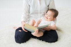 【子どもの年齢別】寝かしつけにおすすめの絵本9選を現役ママが紹介