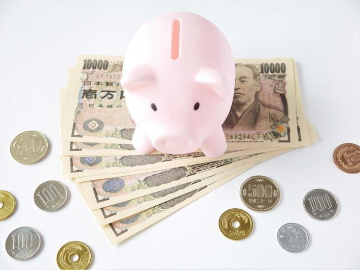 お金 貯金箱