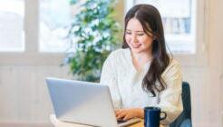 パソコン 操作 女性
